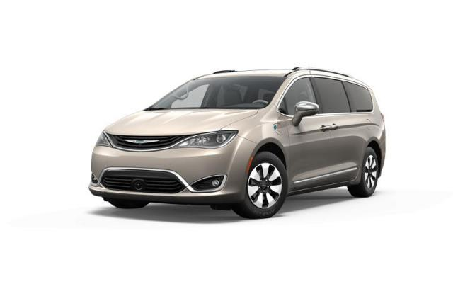 2017 Chrysler Pacifica Hybrid Platinum Van